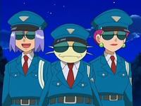 Archivo:EP528 Team Rocket disfrazados de policías.png