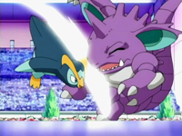 Archivo:EP496 Prinplup contra Nidoking.png