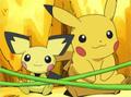 EE05 Pikachu y Pichu.png