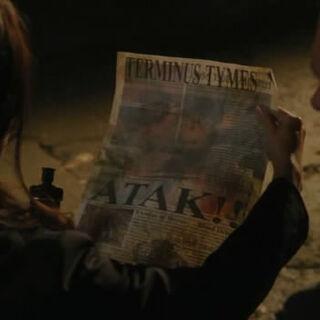 Camile Wray en la tenencia del periódico.