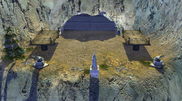 Archivo:Mount Tantiss Storehouse Entrance.jpg