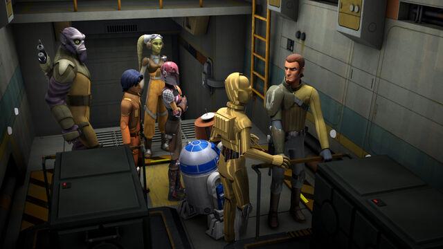 Archivo:3PO R2 Espíritu.jpeg