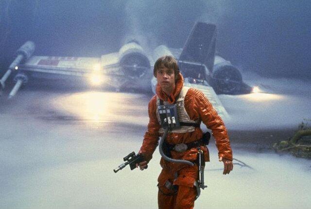 Archivo:Luke arrives Dagobah.jpg