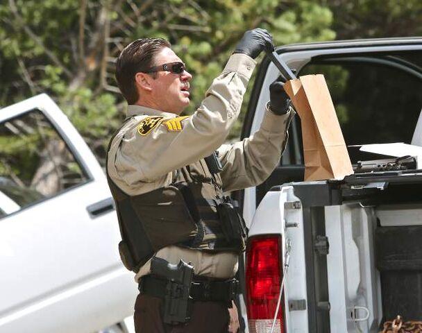 File:Manhunt-rcr-042916-2.jpg