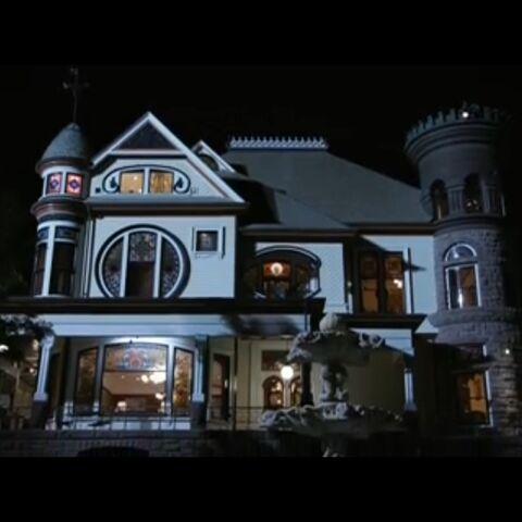 File:Mansion.jpeg