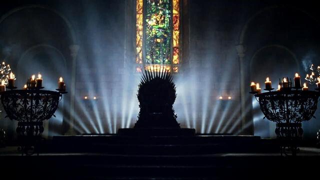 Archivo:Trono de hierro sala.jpg