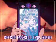 Facebook - mother-daughter evil selfie