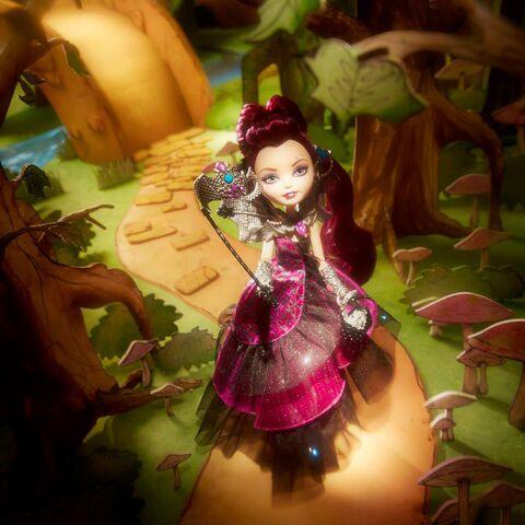 File:Facebook - Raven Thronecoming doll.jpg