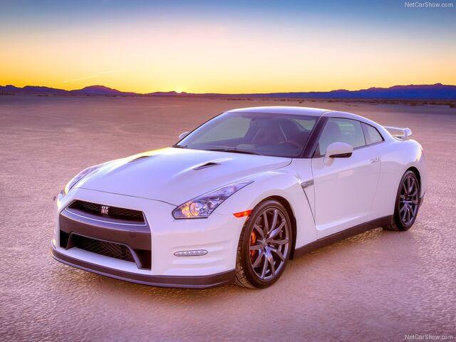 File:Nissan-GT-R 2014 800x600 wallpaper 03.jpg
