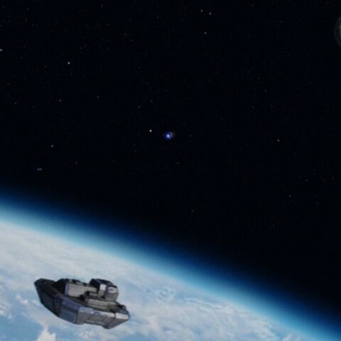 UN dropship meeting a longer distance shuttle in orbit