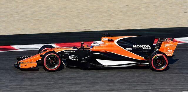 File:McLaren MCL32.jpg