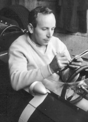 File:John Surtees.jpg