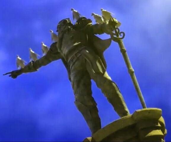 File:Logan's Statue Small.jpg