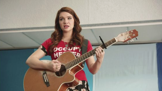 File:1x03 karma singing her song.png