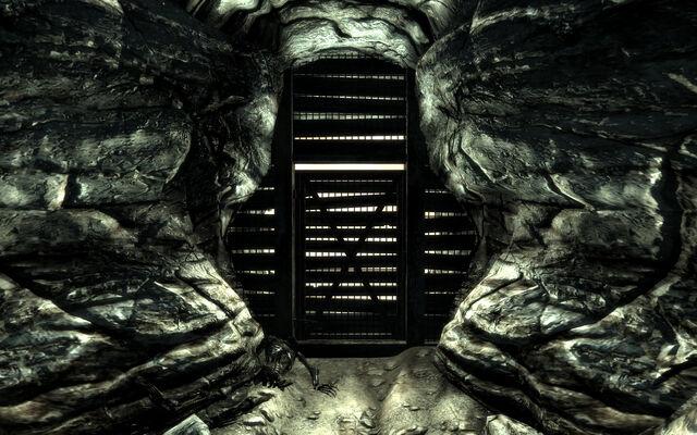 File:Vault 101 Exit.jpg