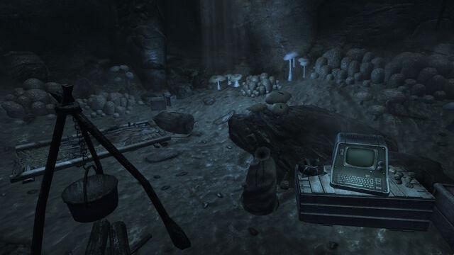 File:Survivalist hidden cache Fallen Rock cave.jpg