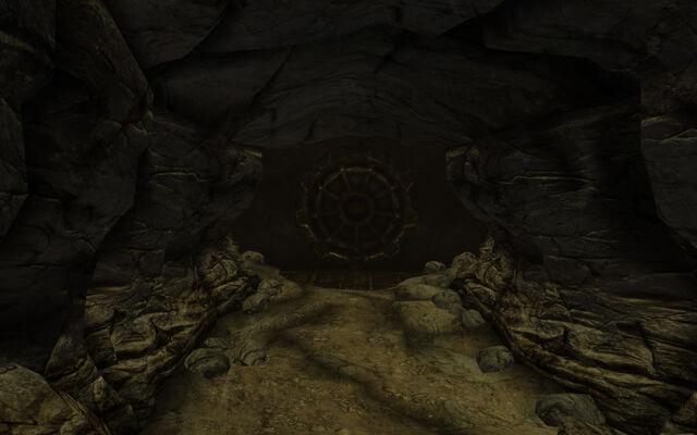 File:Vault 74 door.jpg