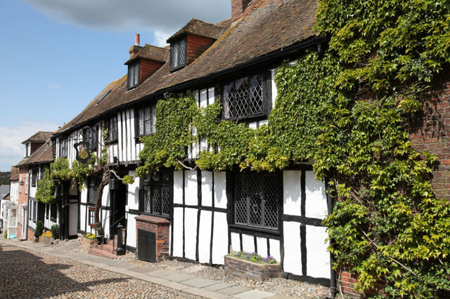 File:Blossom Hill Inn.jpg