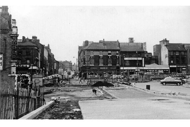 File:Demolition of Cavalier Street, Avenir.jpg