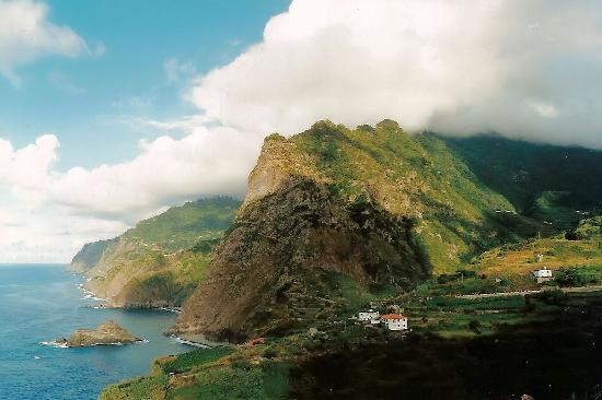 File:Madeira-in-Portugal Madeira-Island 5314.jpg