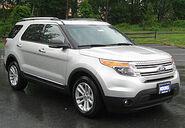 280px-2011 Ford Explorer XLT -- 05-18-2011