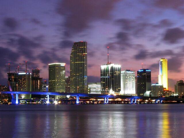 File:Miami-Skyline-Dusk-Large.jpg