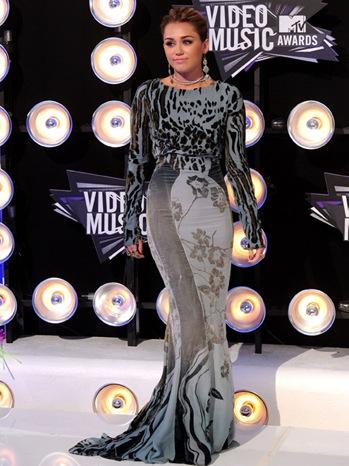 File:Miley Cyrus 2011 VMAs.jpg