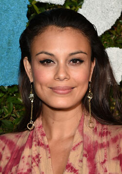 Nathalie Kelley 2014