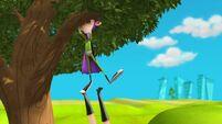 Fanboy looking in a tree - s2e12b