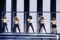 Fifth-Harmony-perform-on-X-Factor