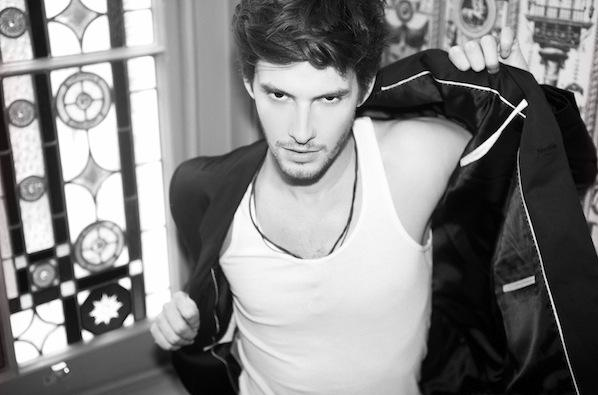 File:Ben Barnes as Mr grey.JPG