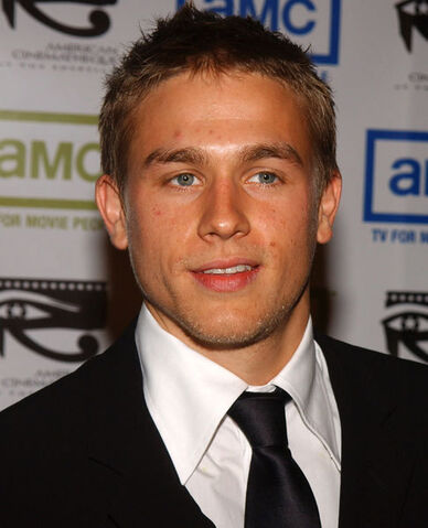 File:Charlie-s-Face-to-Party-charlie-hunnam-11356752-486-600.jpg