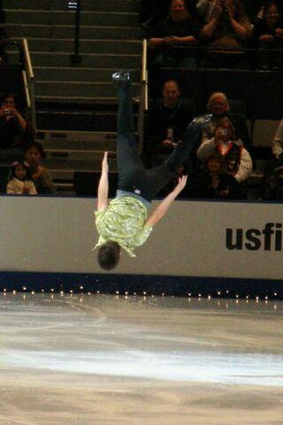 File:Ryan Bradley Backflip - 2006 Skate America.jpg