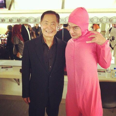 File:@papafranku - Pink Guy and Jackie Chan (Dec 5, 2014).jpg