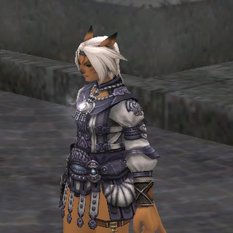 An adventurer wearing the Heka's Kalasiris.