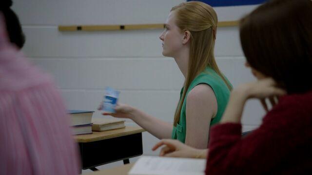 File:1x02 16 classmate, Carter.jpg