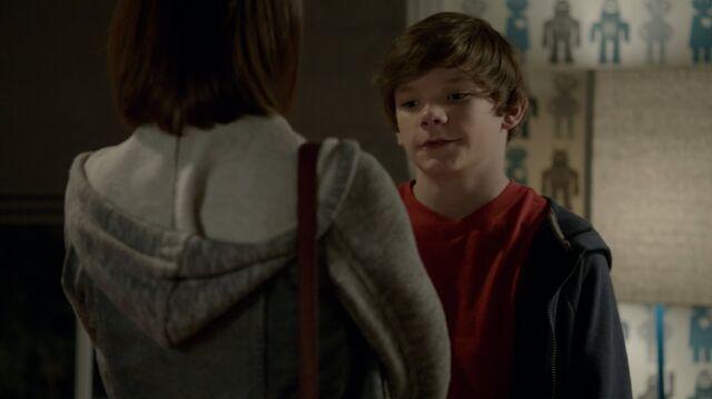 File:1x01 81 Carter, Grant.jpg
