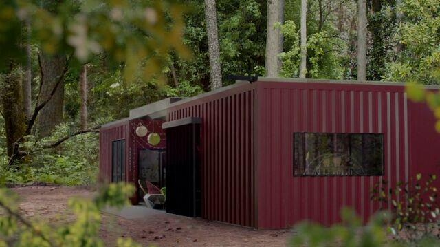 File:1x02 29 Bird's sanctuary.jpg
