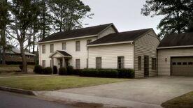 2x01 26 Wilson house