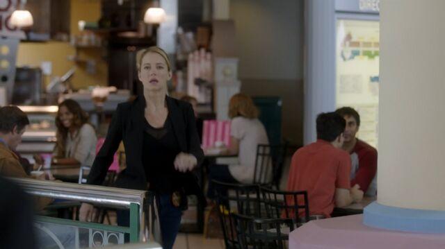 File:1x02 81 Elizabeth.jpg