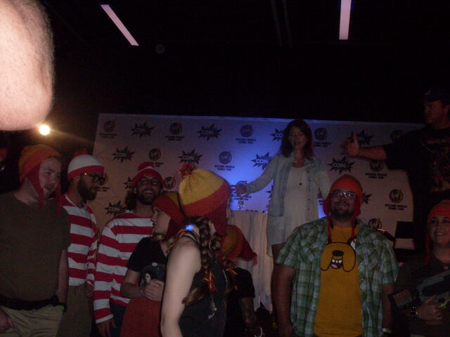 File:Jewel Staite & Adam Baldwin with Jayne Hat and Waldo Group.jpg