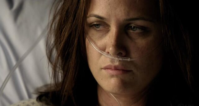 File:1x06 Janis after Surgery.jpg