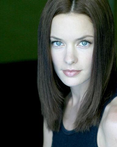 File:Gina Holden02.jpg