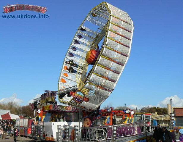 File:Pleasureland08f.jpg
