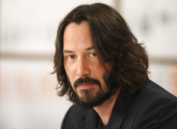File:Actor-keanu-reeves-listens-during-the-news-conference-for-the-film-the-private-lives-of-pippa-lee-at-the-34th-toronto-international-film-festival-in-toronto-september-15-2009.jpg