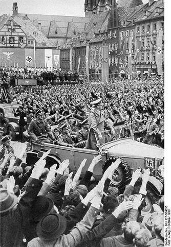 File:417px-Bundesarchiv Bild 137-004055, Eger, Besuch Adolf Hitlers.jpg