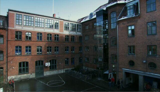 File:Frederiksholm College.jpg