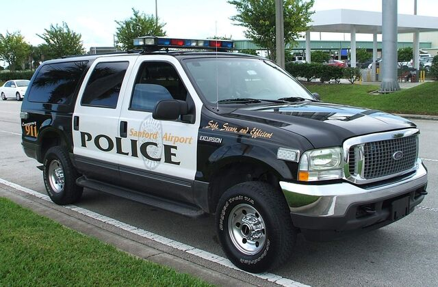 File:Sanford Airport Police FL USA - Ford Excursion.jpg