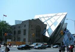 800px-Royal Ontario Museum