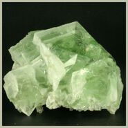 Green fluorspar crystal1